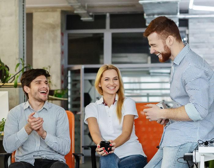 Medewerkerstevredenheid. Weet jij hoe tevreden jouw medewerkers zijn? Wist je dat blije en gelukkige medewerkers productiever, innovatiever en minder vaak ziek zijn? Dat heeft (wetenschappelijk) onderzoek uitgewezen. Tevreden medewerkers maken het verschil, gegarandeerd!