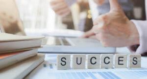 Jouw re-integratieverslag: succesvol of financieel drama? Neem de stappen die je geacht wordt te nemen serieus. Volg de richtlijnen en leg alles zo goed mogelijk vast. Want een gedegen verslaglegging en betrokken casemanager kan verschil zijn tussen een succesvol re-integratieverslag of een financieel drama.